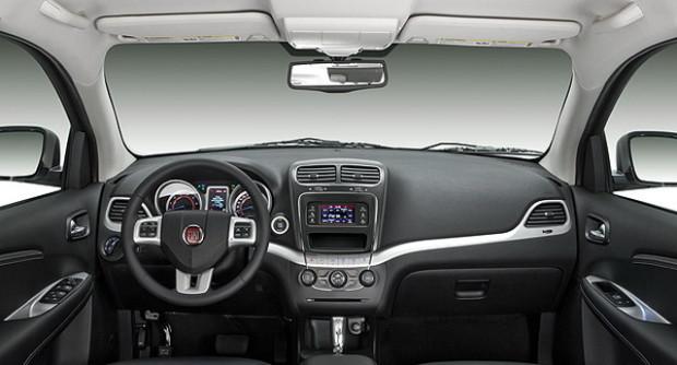 2014-Fiat-Freemont-Interior
